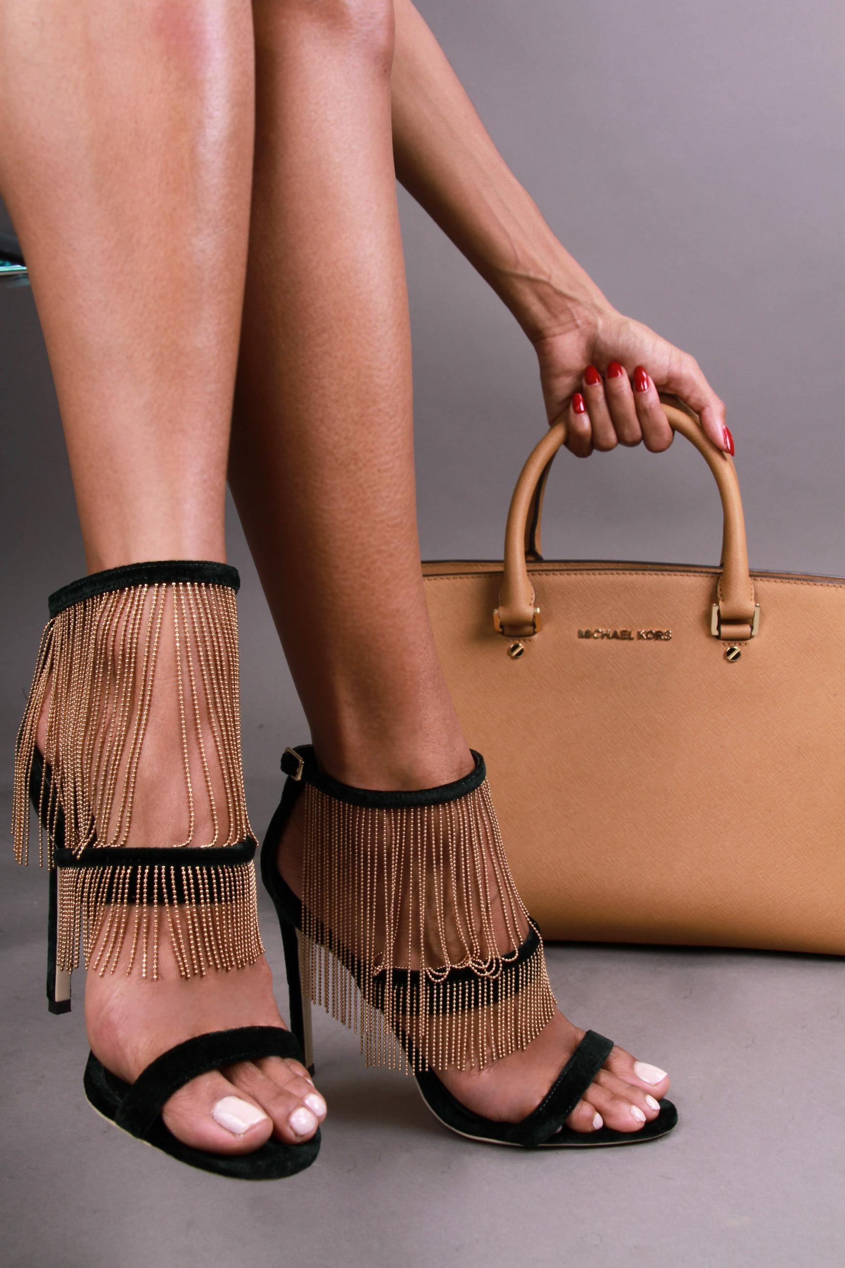 Elizabeth Grullon_Feet1