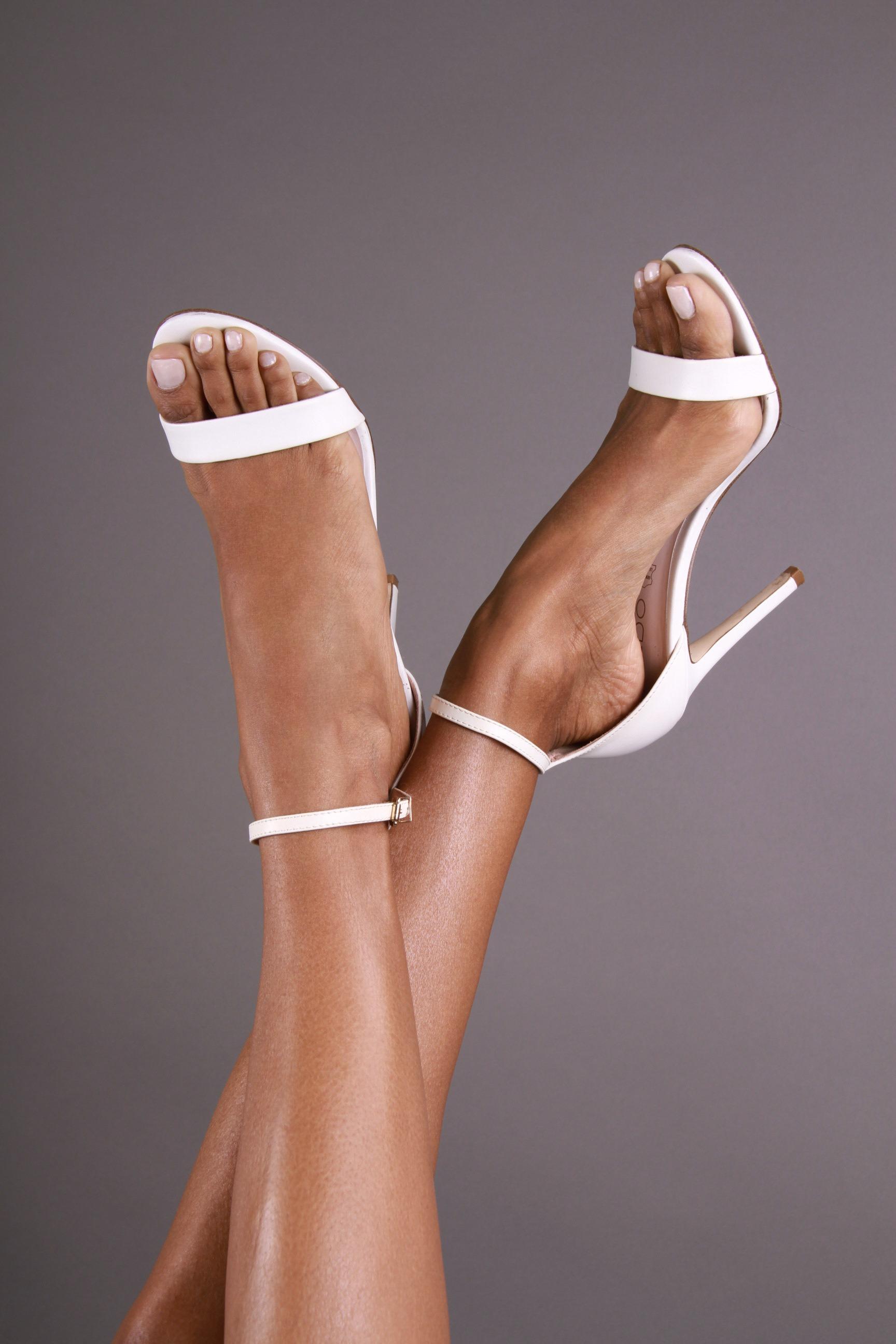 Elizabeth Grullon_Feet2