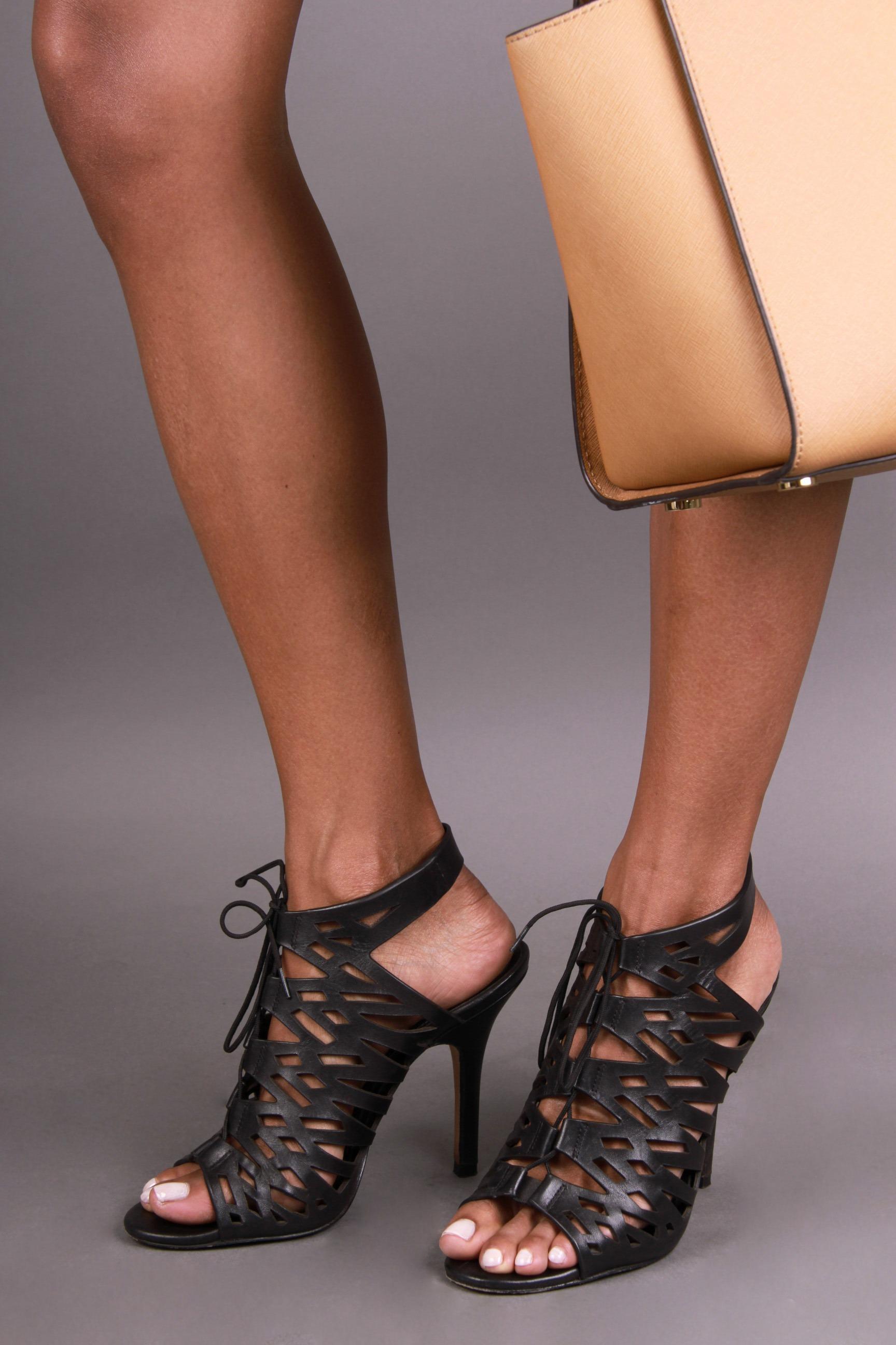 Elizabeth Grullon_Feet4