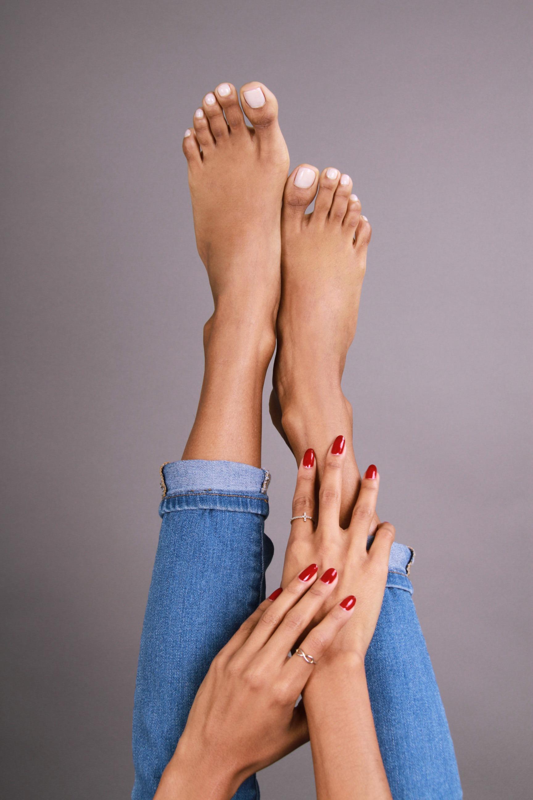Elizabeth Grullon_Feet7