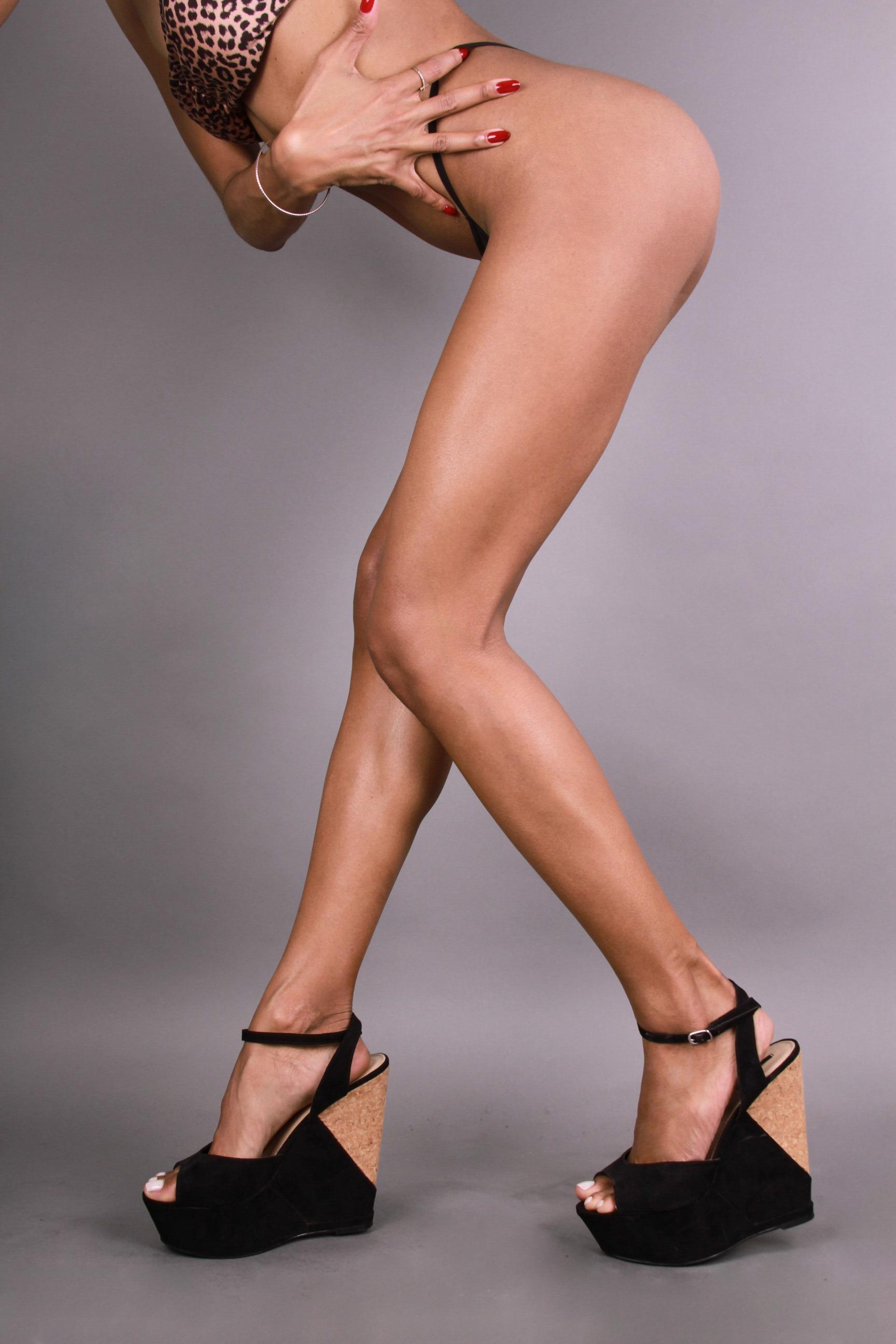 Elizabeth Grullon_Legs12