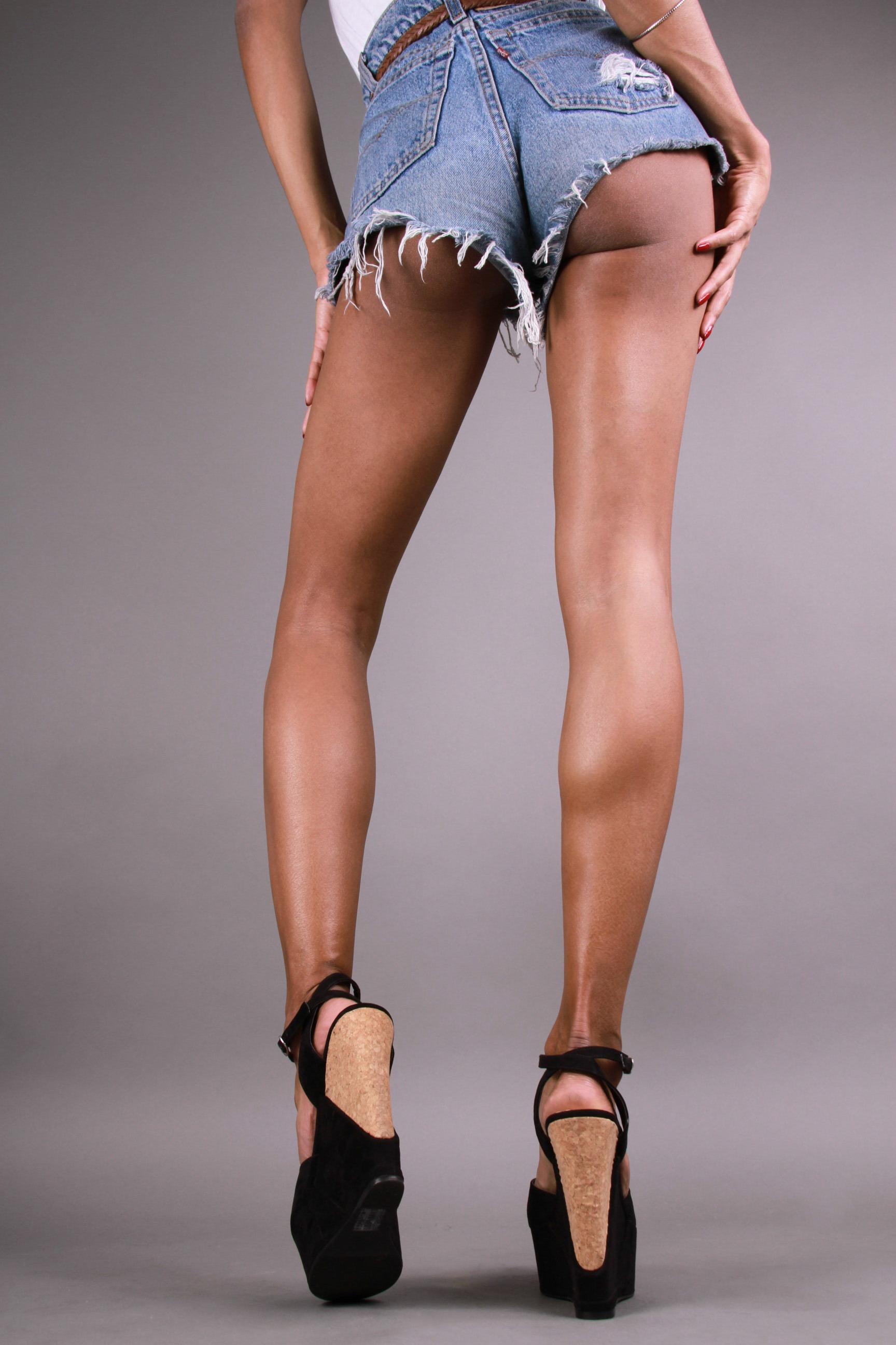 Elizabeth Grullon_Legs5