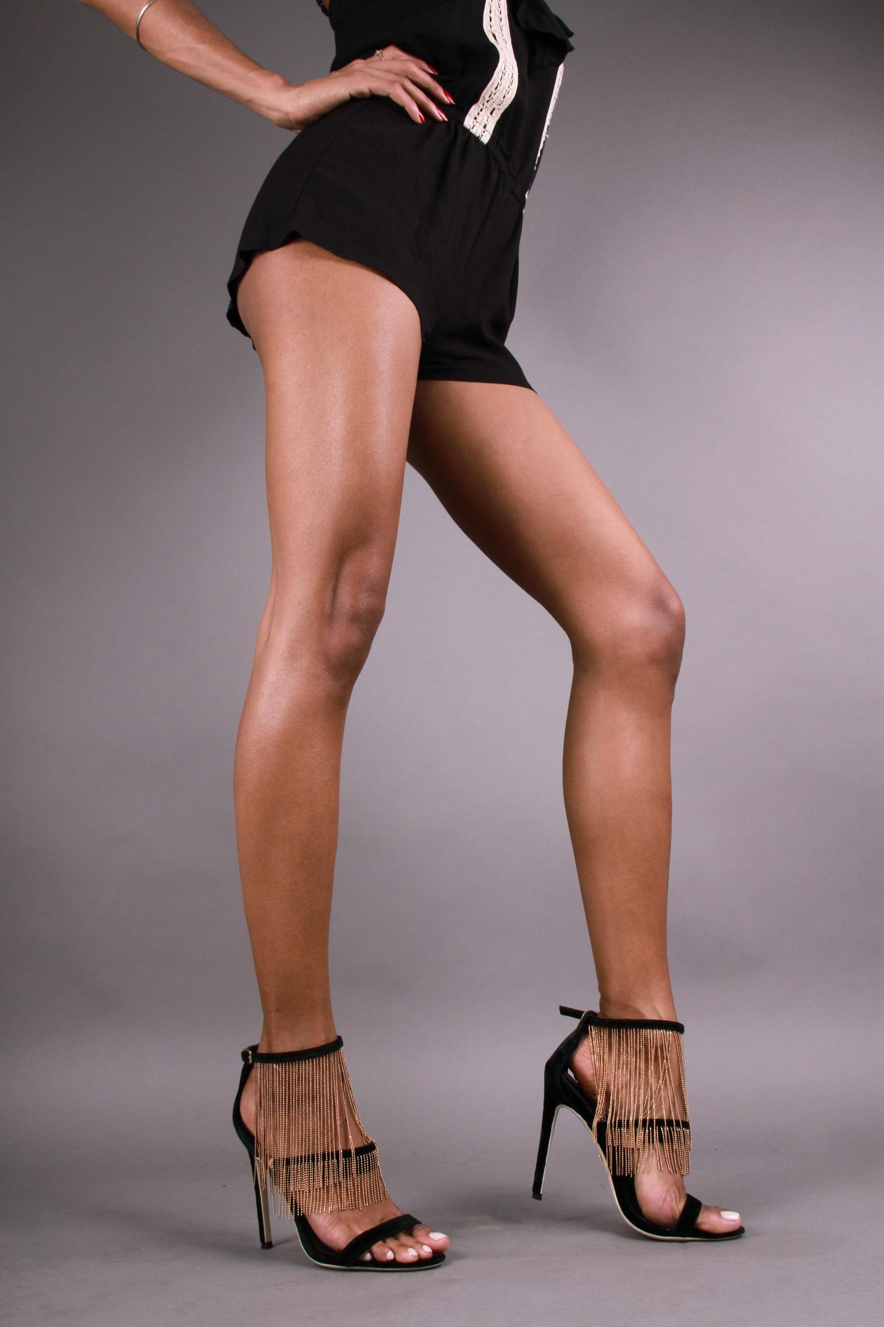Elizabeth Grullon_Legs8