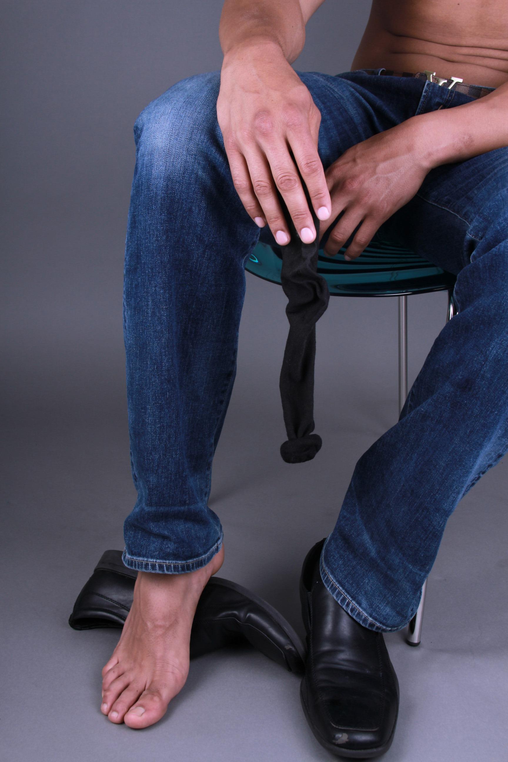 Emilio Rodriguez_Feet1
