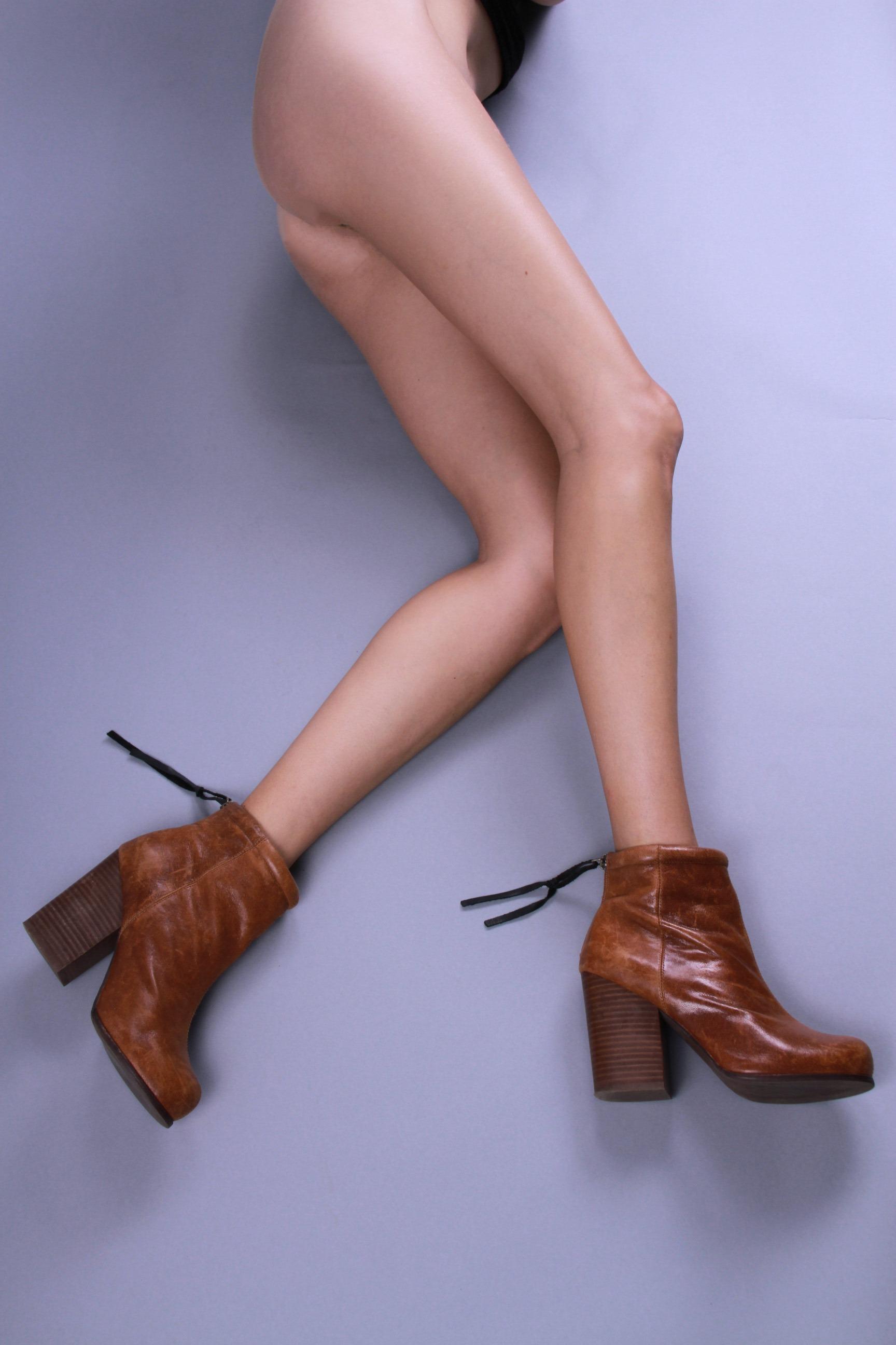 Brea Peck_Legs4