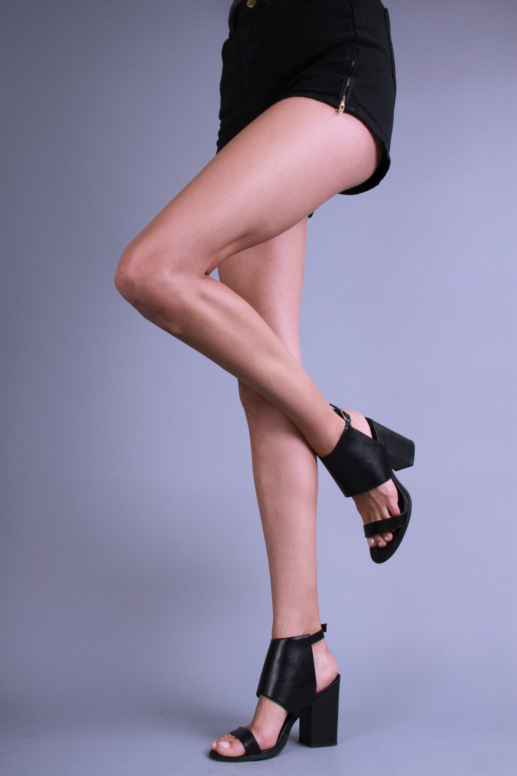 Brea Peck_Legs8