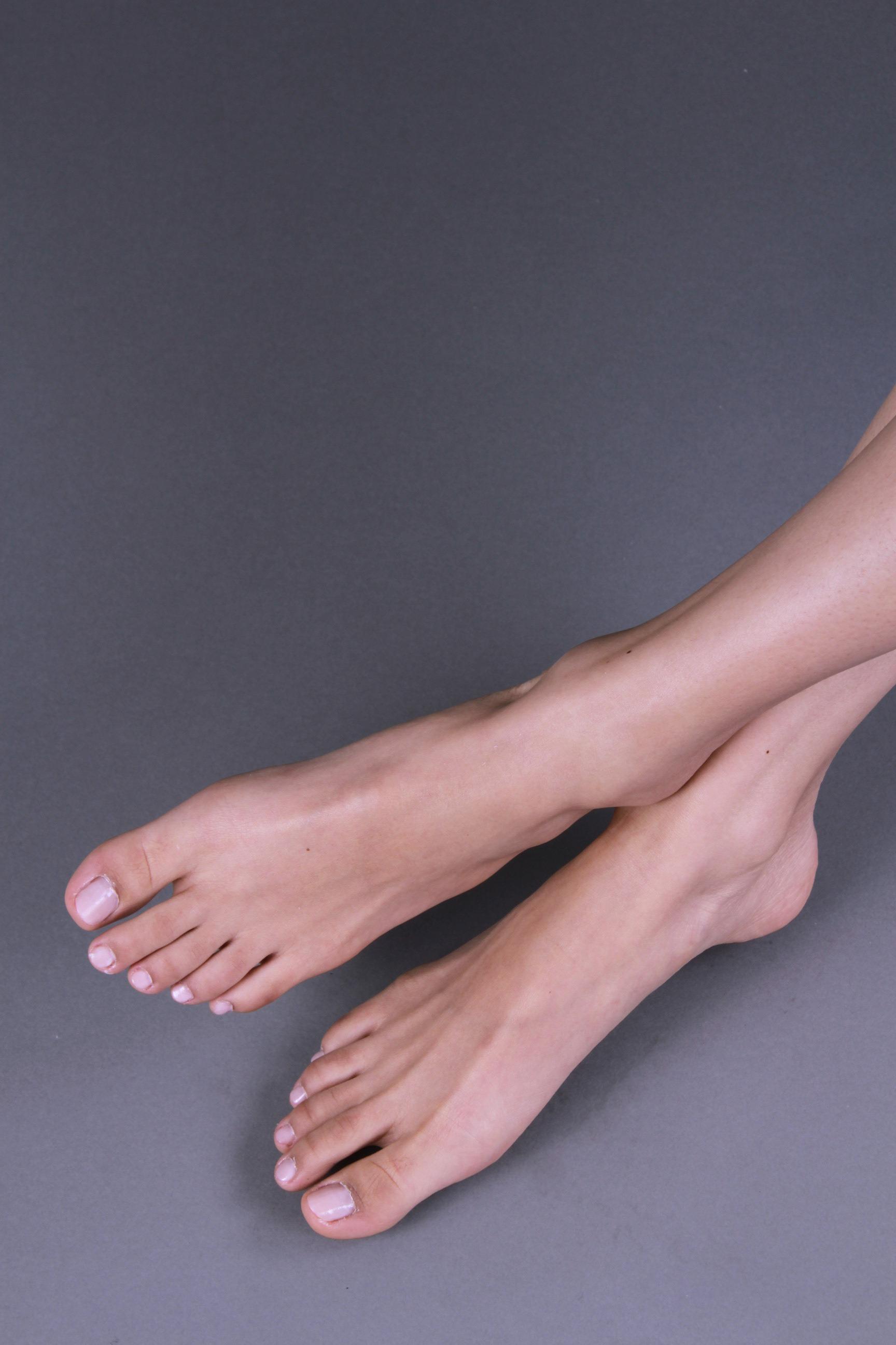 Joanne Joo__Feet2