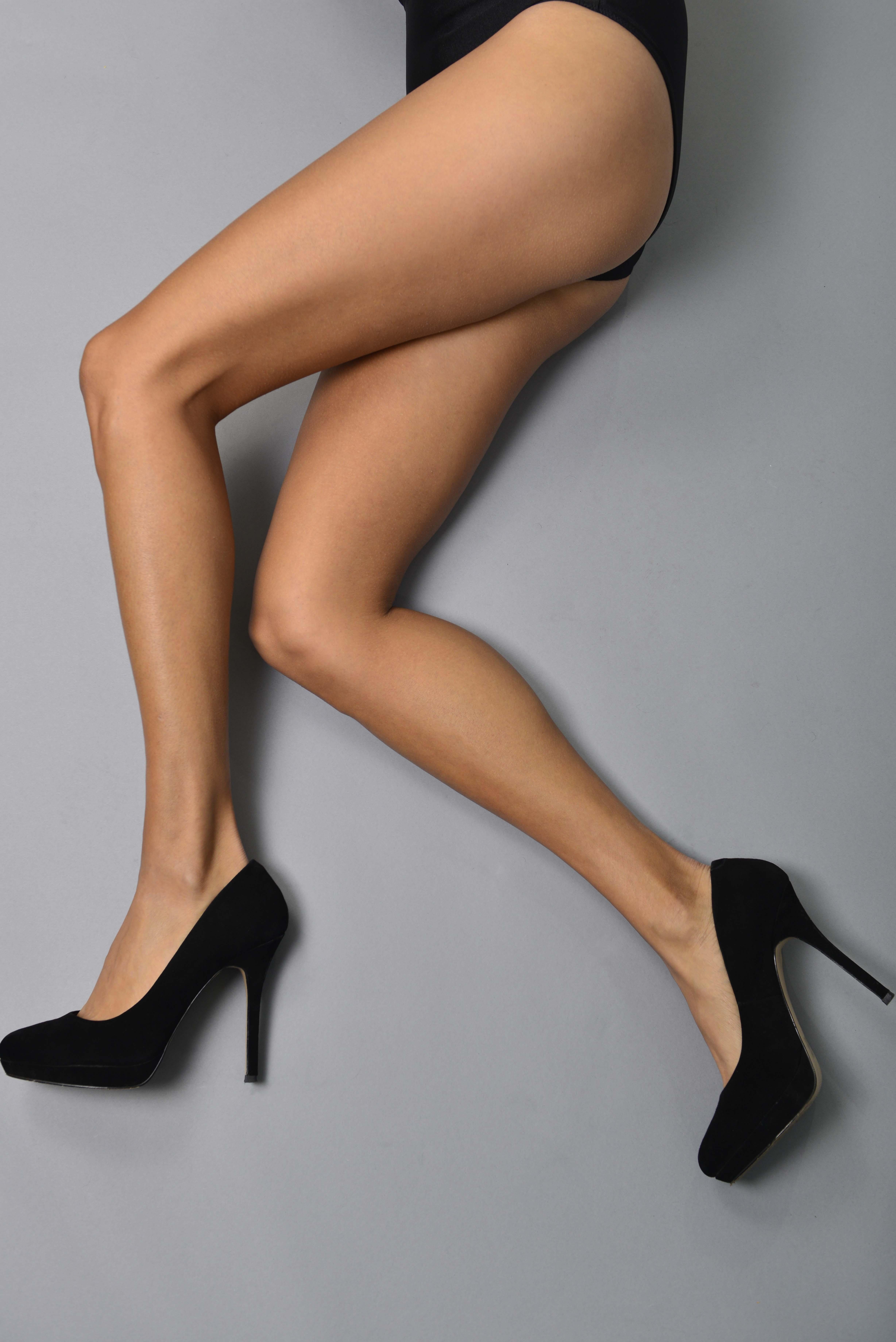 tehmina-sunny_legs3