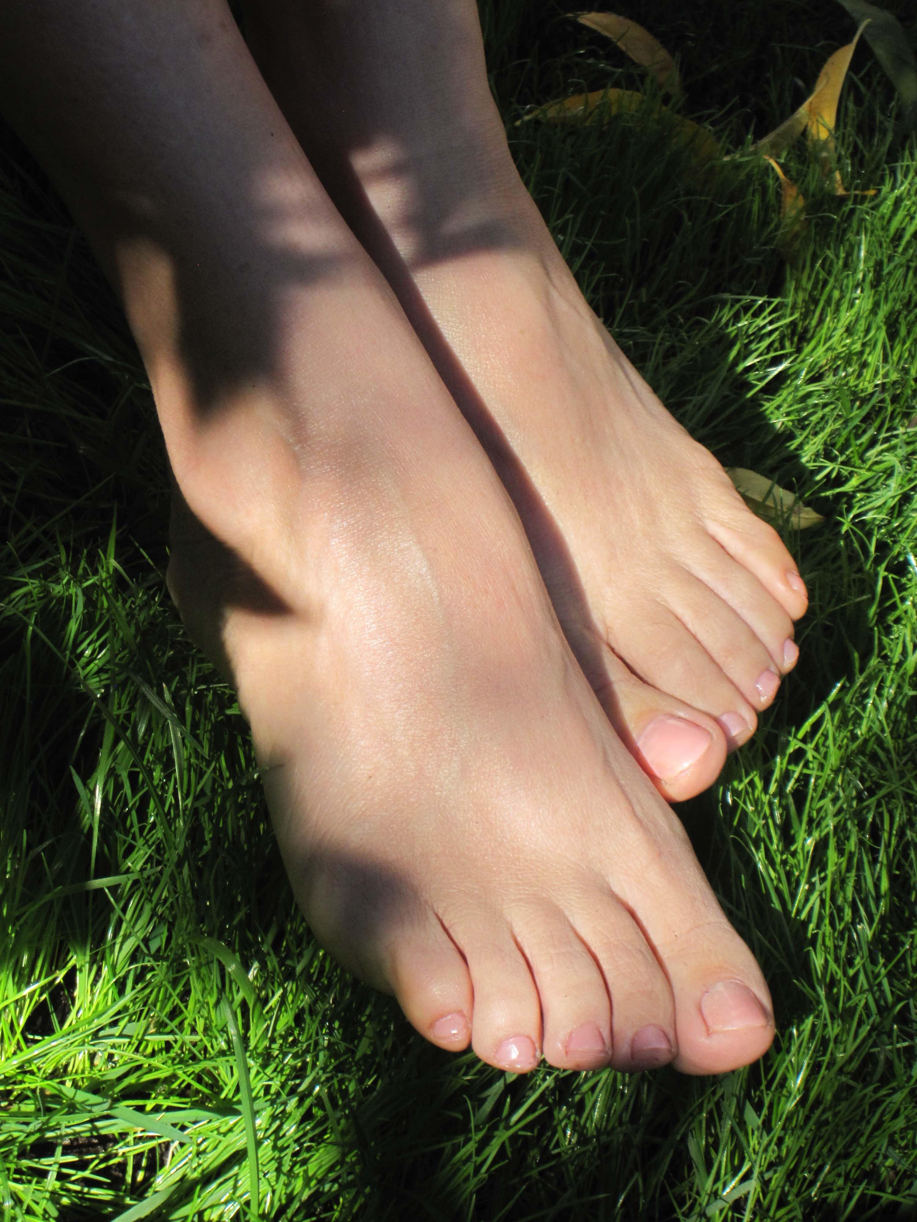 Marlon Braccia_Feet_Digital1