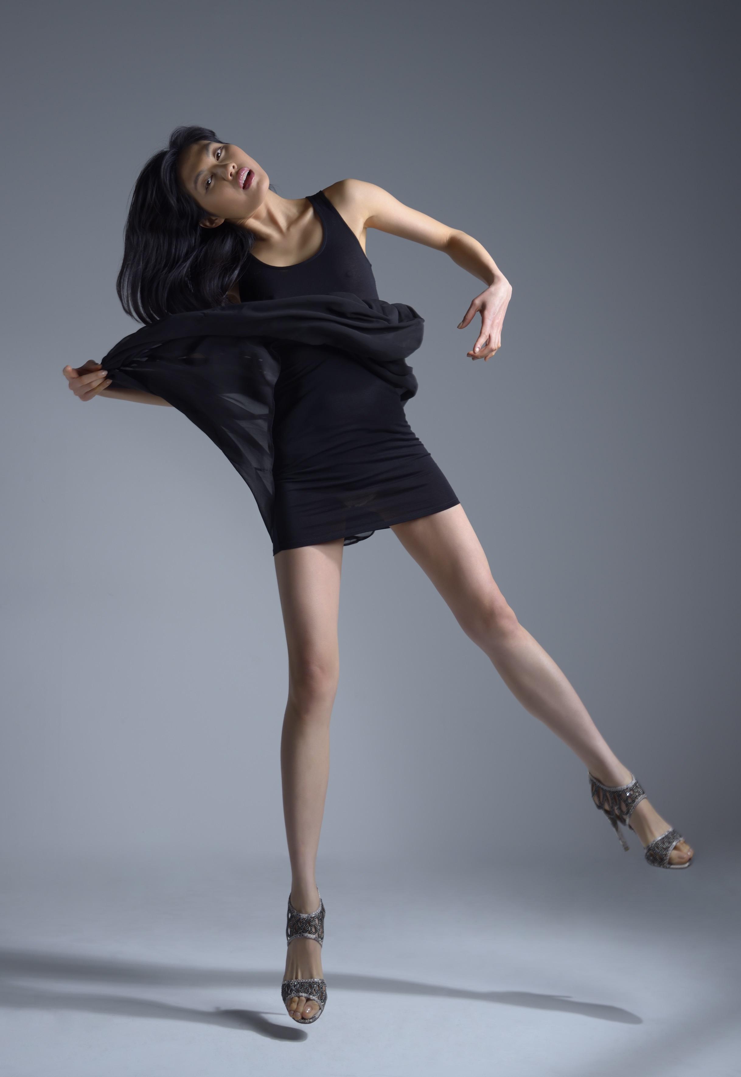 Julia Lee_Legs6