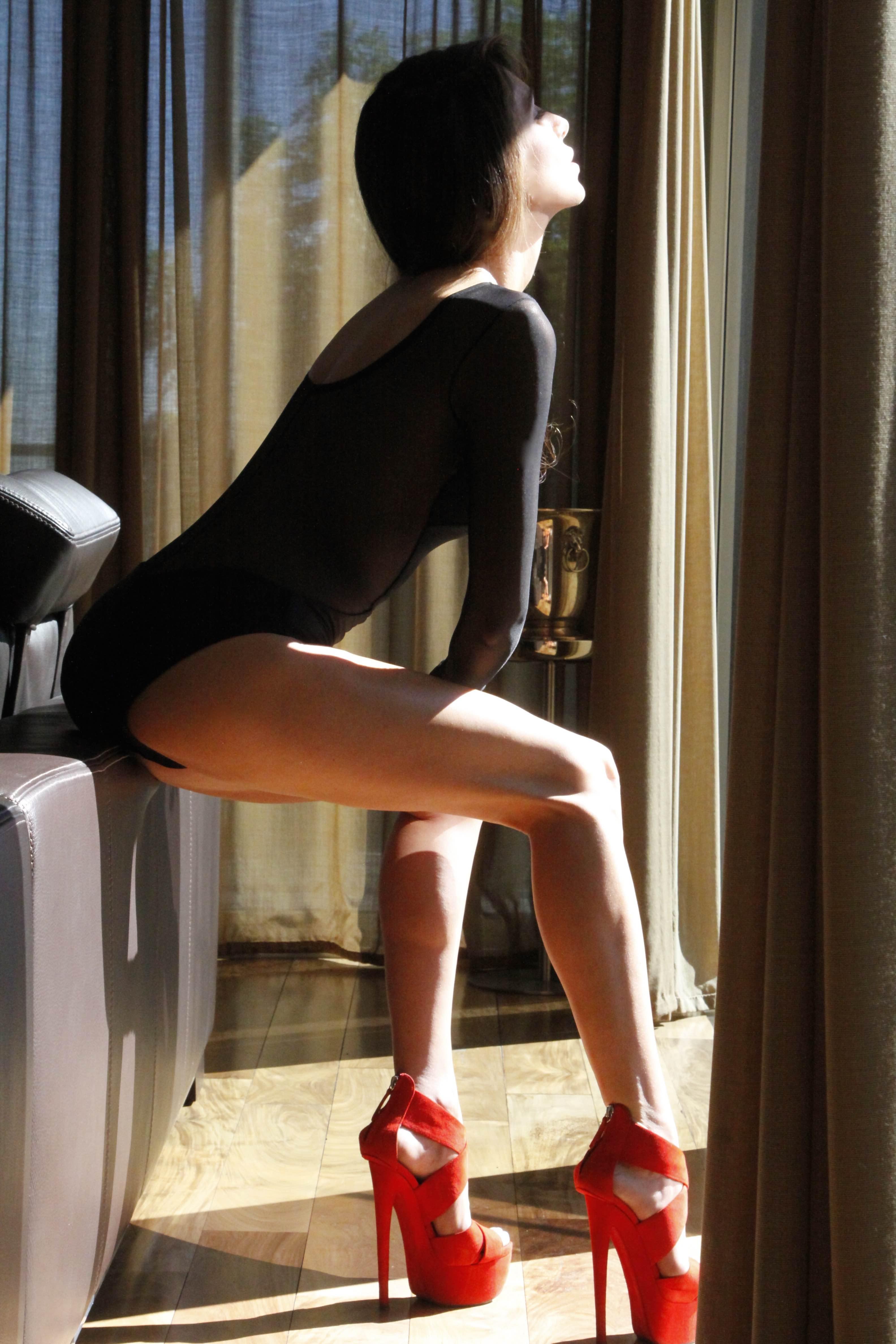 Ekin Ozlen_Legs4