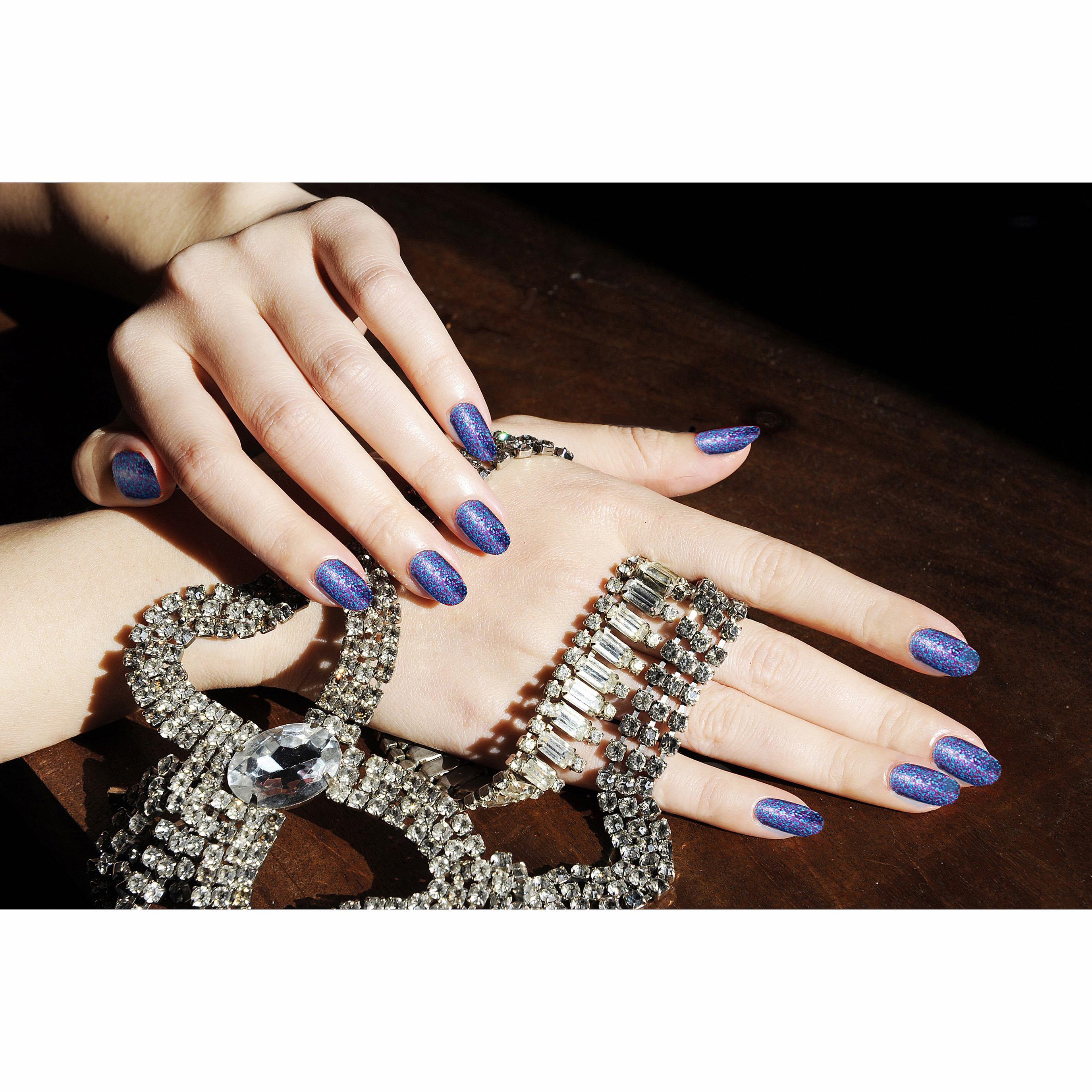 Sue Yan_Hands4