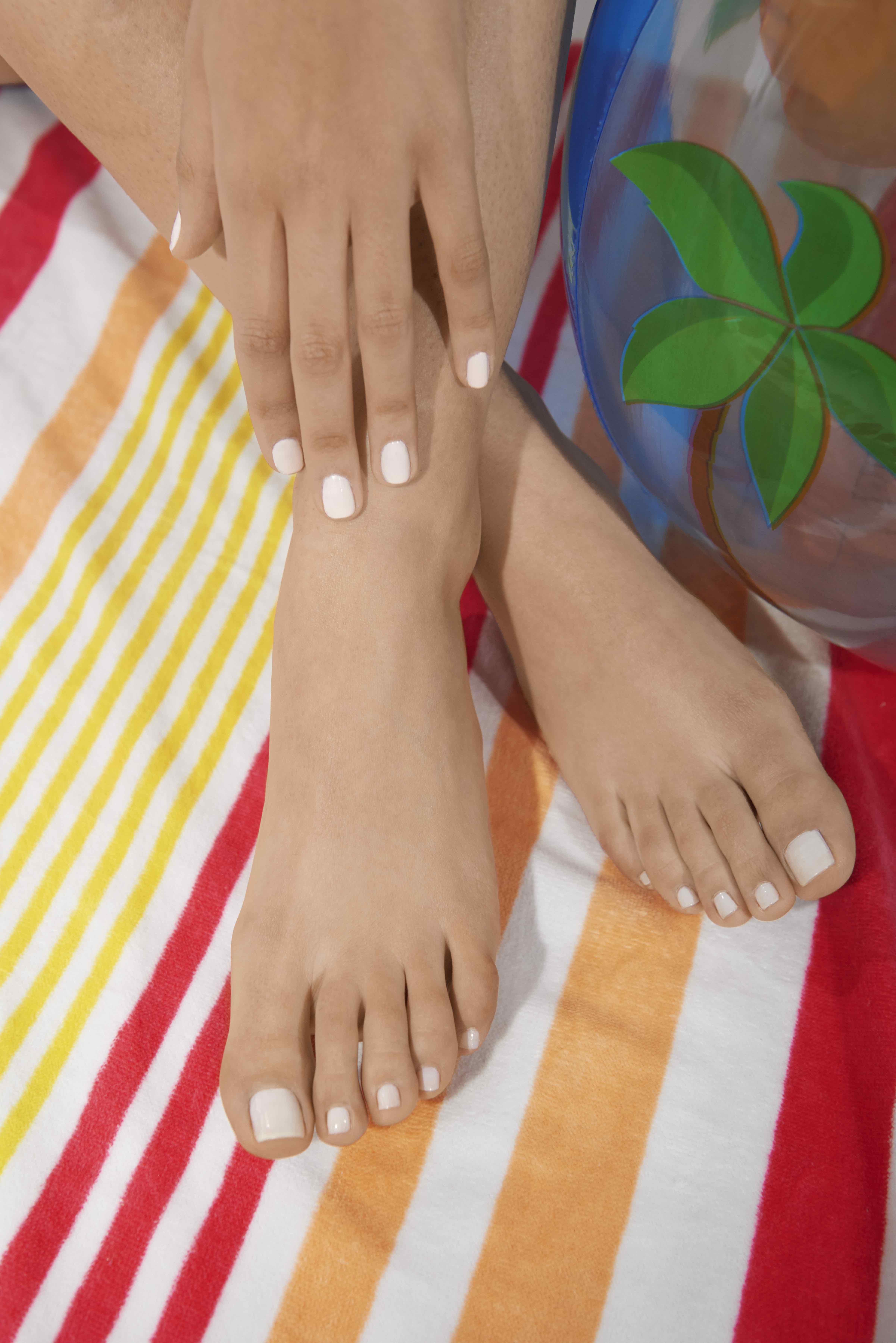 Tayla Fernandez_Hands&Feet1