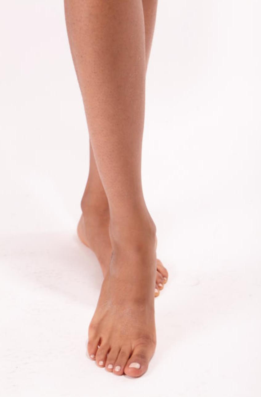 Natasha Wani_Feet1