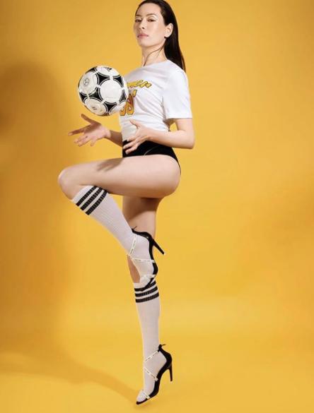 Lily Holster Full Body4